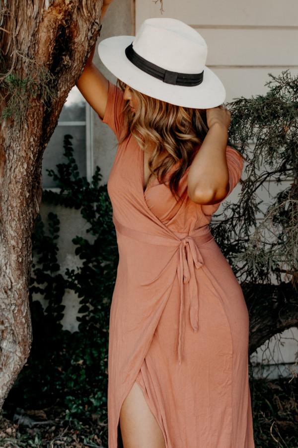 Najpiękniejsze letnie sukienki z naszej kolekcji. Polecamy modele na urlop, randkę i imprezę