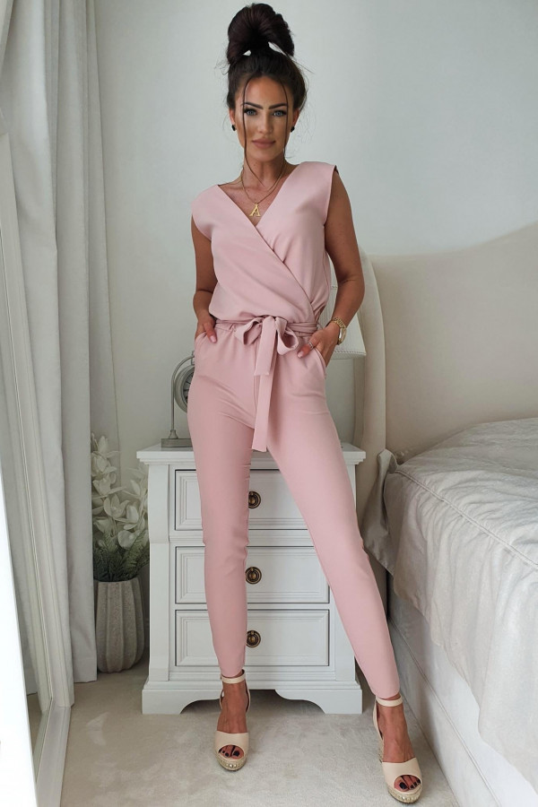 Spodnie oraz kombinezony do casualowych i imprezowych looków